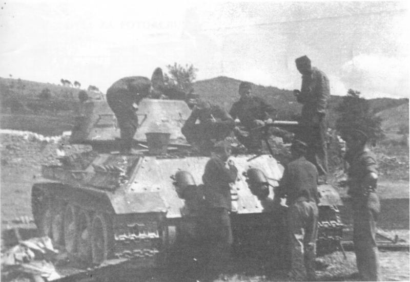 t-34-76_m43_03.jpg
